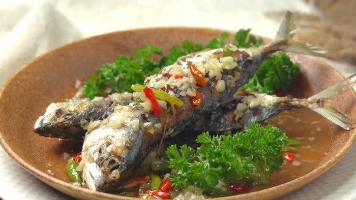 วิธีทำ ปลาทูราดพริกสด เมนูทำง่าย อร่อยทั้งครอบครัว
