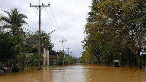 7 อำเภอ ใน จ.สงขลา ถูกน้ำท่วมหนักสูงกว่า 1 เมตร ประชาชนอพยพออกจากพื้นที่