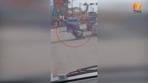 หนุ่มเมาเหล้าอย่างหนัก ขี่รถจักรยานยนต์ เซไป เซมา ก่อนสิ้นฤทธิ์ล้มกลางถนน