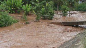 ฝนถล่ม! แม่ฮ่องสอน ทำน้ำป่าไหลหลาก ชาวบ้านสูญหาย 2 คน