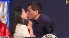 วิจารณ์หนัก!! ปธน.ฟิลิปปินส์ จูบปากคนงานสตรีในงานพบปะแรงงานในเกาหลีใต้