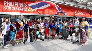บุ๊กโกะ- เต๊นท์ ตกมันส์บันเทิง พาทัพไทยบินลัดฟ้า ร่วมเชียร์ซีเกมส์ 2019