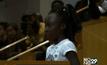 เด็กผิวสี 10 ขวบแสดงความรู้สึกถูกเลือกปฏิบัติ