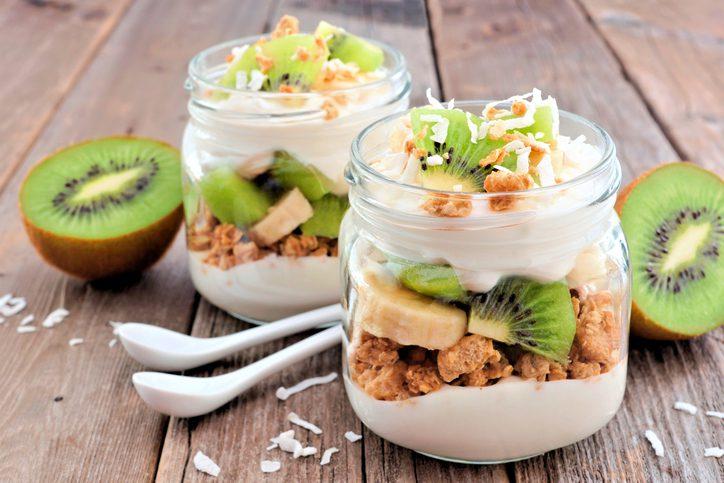 7 ประโยชน์ของ โยเกิร์ต ที่ควรกินทุกเช้า มันดีแบบนี้นี่เอง!!