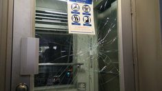 เปิดใจ!! หนุ่มพิการทุบกระจกลิฟท์บีทีเอสแตก สุดฉุนไม่มี จนท.ดูแล