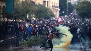ผู้ประท้วงเลบานอนปะทะตำรวจครั้งใหญ่ ส่งผลเจ็บกว่า 100 ราย