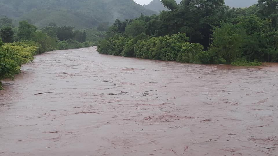 น่าน ฝนหนัก ทำน้ำป่าไหลหลาก-ดินสไลด์ โชคดีไร้คนเจ็บเสียชีวิต