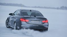 BMW Ice Power Training สุดยอดประสบการณ์การขับรถ BMW M4 บนผืนน้ำแข็ง