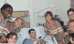 แก๊งปราบผีสาว พักกองไปเยี่ยมโรงพยาบาลเด็ก
