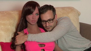 น่าลองแฮะ ตุ๊กตายางแนวใหม่ ต้องการความโรแมนติกก่อน ถึงจะมีเซ็กส์ได้