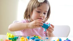 พัฒนาความคิดสร้างสรรค์ให้ลูกน้อยของคุณ ด้วยการ ปั้นดินน้ำมัน
