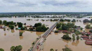 ส.ส.ภูมิใจไทย สละเงินเดือน คนละ 1 เดือน บริจาคช่วยน้ำท่วม