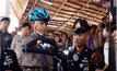 น้องทาม เด็กไร้แขน รับจักรยานพระราชทาน