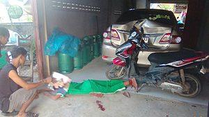 อุทาหรณ์! ด.ช.วัย 12 ปี จักรยานยนต์คันเร่งค้าง พุ่งชนทะลุประตูบ้านเจ็บสาหัส