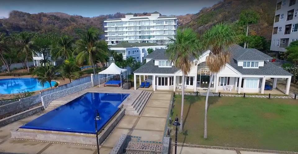 10 บ้านพักพูลวิลล่าที่หัวหิน The Beachfront Villa Hua Hin