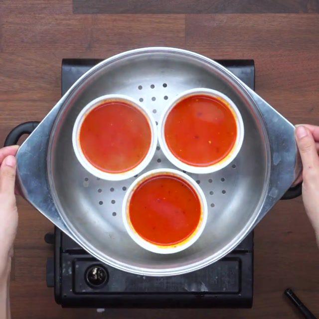 """วิธีทำไข่ตุ๋นพริกเผา กินข้าวกัน by""""แม่อ้อ"""""""