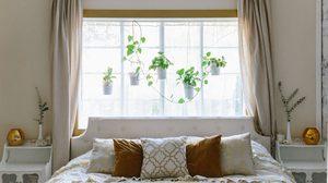 เทคนิคการ จัดวางเตียงนอน ในห้องแคบๆให้แมทช์กับหน้าต่างแล้วดูปัง