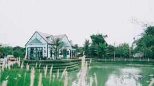 ปานชีวาคาเฟ่ คาเฟ่สไตล์ชนบทอังกฤษ จิบกาแฟ ปล่อยใจไปกับบรรยากาศในสวน
