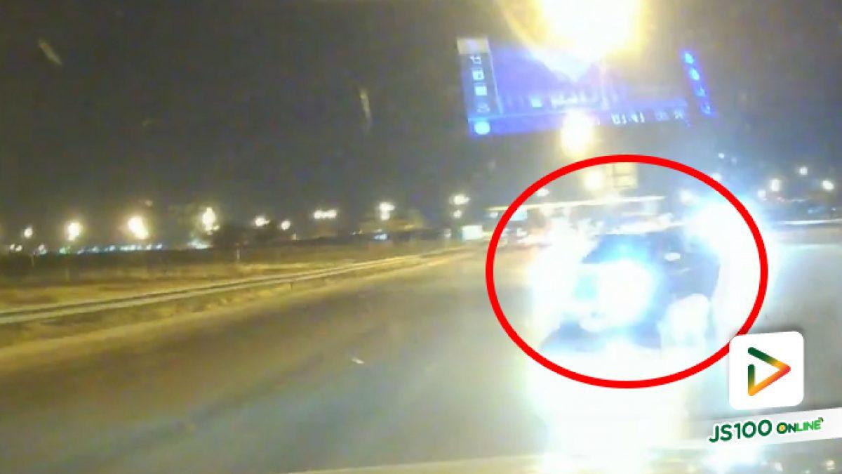 คนขับบอกไฟเหลืองเลยขับไป แต่ที่เห็นนั่นไฟแดงเต็มๆ นะครับ (17/02/2021)
