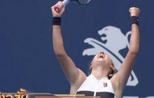 """""""อซาเรนก้า"""" ควงหนุ่มวัย 18 ปี เข้ารอบเทนนิสไมอามี"""