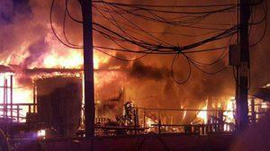 ไฟไหม้! บ้านปากคลองภาษีเจริญวอดหลายหลัง