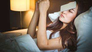 ผลวิจัยชี้!! นอนดึก ตื่นสาย ตายเร็ว ส่งผลเสียต่อสุขภาพ เสี่ยงป่วยหลายโรค