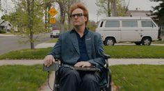 วาคีน ฟีนิกซ์ ทนทุกข์ใช้ชีวิตบนรถเข็น ในตัวอย่างล่าสุด Don't Worry, He Won't Get Far On Foot