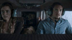 """ห้ามพลาด!! ผลงานความระทึกส่งท้ายปี กับการเอาตัวรอดจากเที่ยวบินมรณะ ใน """"Horizon Line นรก..เหินเวหา"""""""