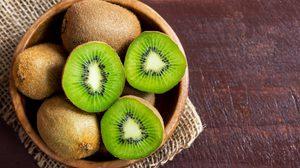 10 ประโยชน์ของ กีวี สุดยอดผลไม้ วิตามินซีสูง เปี่ยมไปด้วยสารต้านอนุมูลอิสระ!!
