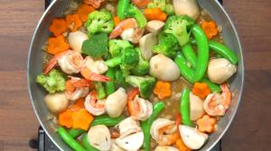 วิธีทำ ผัดผักสี่สหาย อร่อยเพื่อสุขภาพ