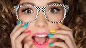 สวยทะลุแว่น! เทคนิคเขียนตา สำหรับสาวแว่น ให้ดูกลมโต โดดเด้ง