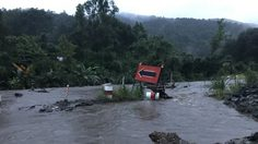 ถ.เชียงราย-เชียงใหม่ ขาด รถทุกชนิดไม่สามารถผ่านได้ หลังฝนหนัก-น้ำป่าไหลหลาก
