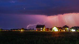 ปลอดภัยไว้ก่อน! 8 เครื่องใช้ไฟฟ้า ที่ต้องระวัง อย่าใช้งาน ระหว่างฝนตก!