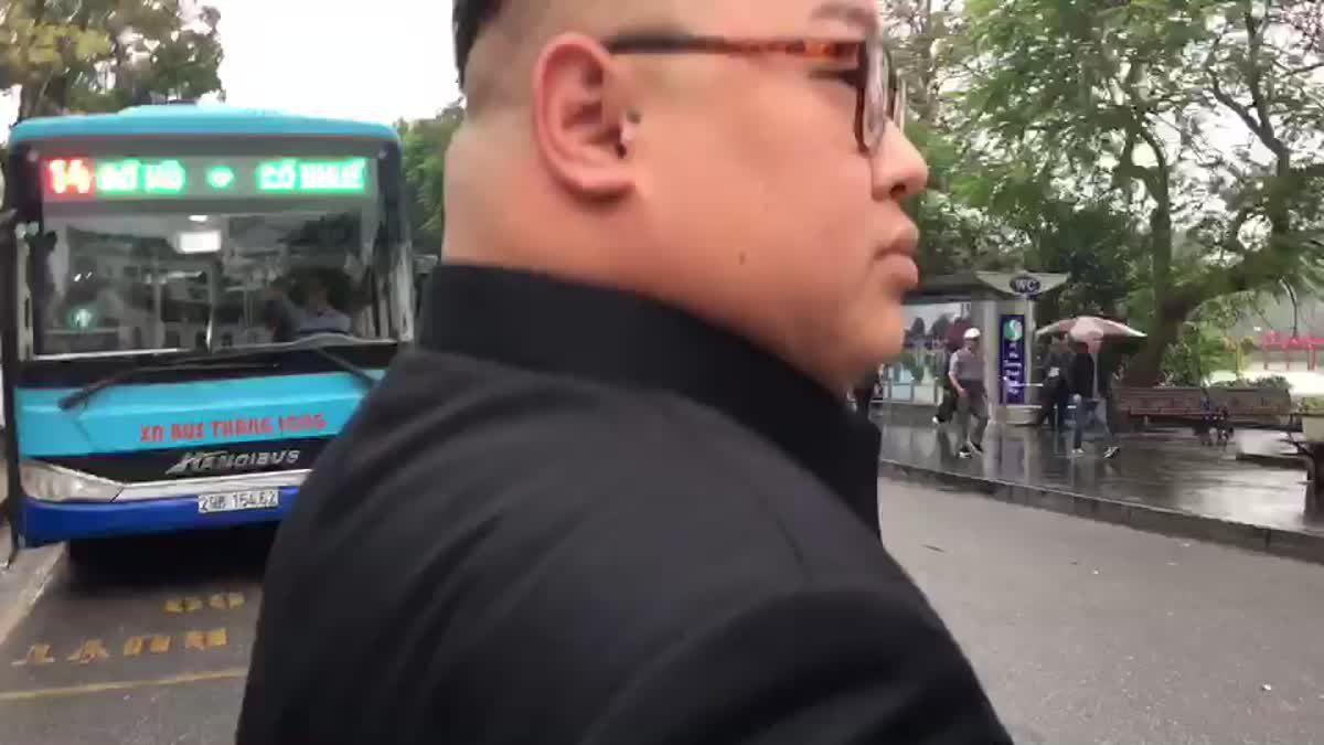 คิม ไทยแลนด์ ถูกตำรวจเวียดนามรวบ หลังเดินรอบสถานที่จัดซัมมิต ทรัมป์-คิม จอง อึน