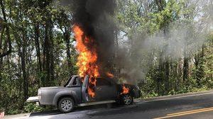ไฟไหม้รถยนต์ บนถนนสาย หล่มสัก-ชุมแพ พบรถติดแก๊ส LPG