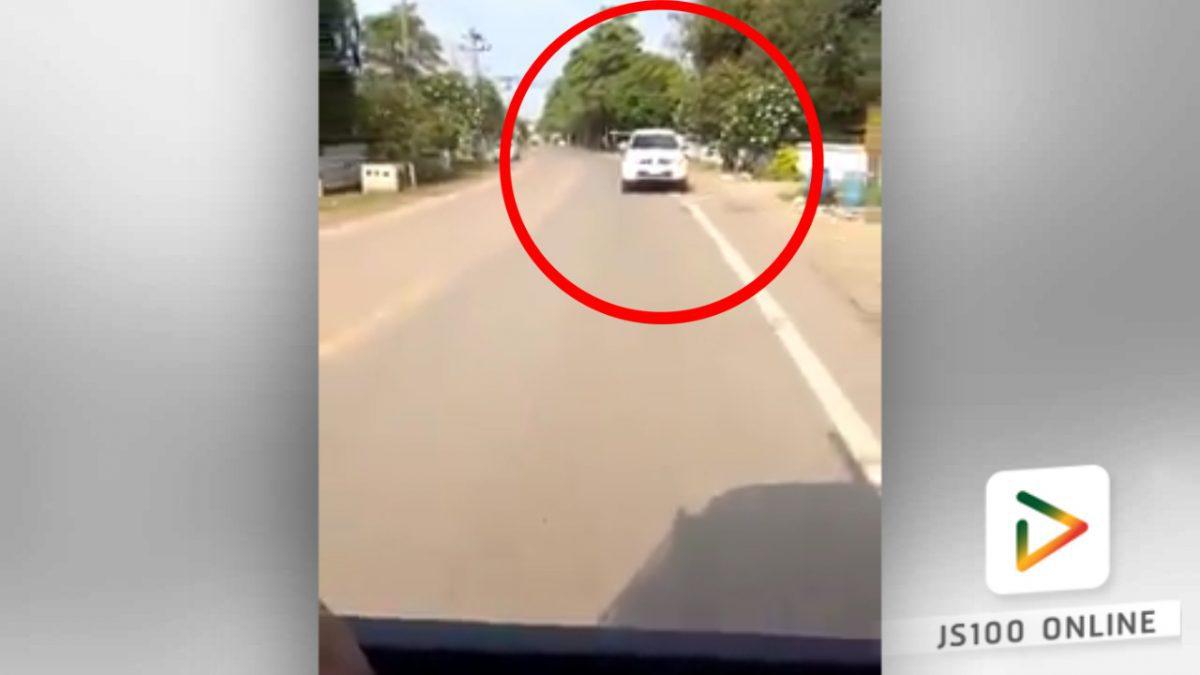 รถกระบะขับชนกับเสาไฟฟ้า!! (17-03-61)