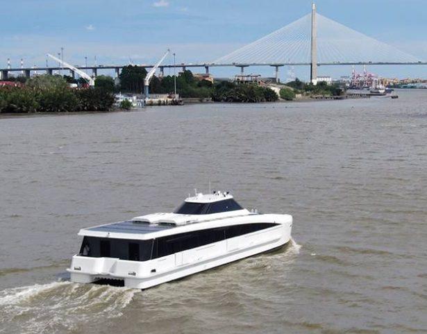 เรือไฟฟ้าลำแรก  MINE SMART  FERRY วิ่งในแม่น้ำเจ้าพระยา