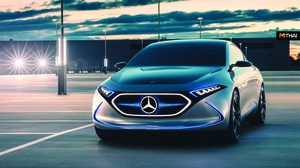 Mercedes-Benz  โชว์รถยนต์ไฟฟ้าต้นแบบ EQA พร้อมเปิดตัว 2 AMG ตัวแรงส่งท้ายปี