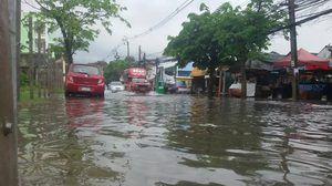ทั่วไทยฝนถล่มหนักตลอดวัน ทำน้ำท่วมขัง – น้ำป่าหลาก หลายพื้นที่
