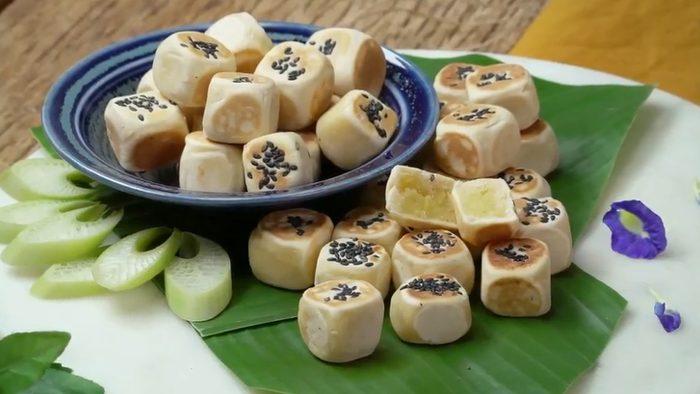 วิธีทำ ขนมลูกเต๋า เมนูขนมไทยโบราณที่คุ้นเคย อร่อย ทำกินเองง่ายๆ