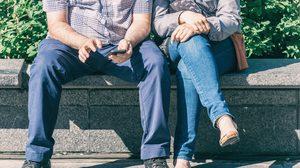 ทำไมผู้ชายชอบ นั่งอ้าขา บนขนส่งสาธารณะ มันมีเหตุผลทางวิทยาศาสตร์อยู่นะ!!