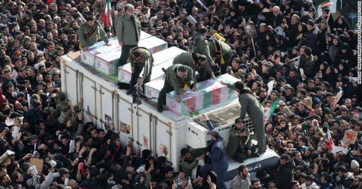 เกิดเหตุเหยียบกันตายในพิธีศพ 'โซเลมานี' นายพลชาวอิหร่าน