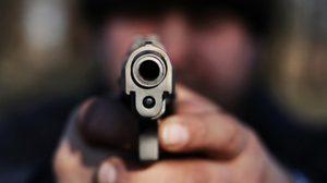เพจทนายแนะ เมื่อหัวขโมยขึ้นบ้านยิงแบบไหน ถึงรอดคุก!