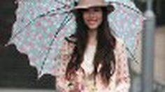 แฟชั่นหน้าฝน กางร่มก็ยังสวยน่ารักได้