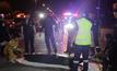 รถตู้ไล่ชน 2 วัยรุ่นขี่รถจักรยานยนต์ เสียชีวิต 1  คน
