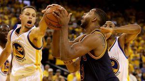 ยับ! โกลเดน สเตท กด คลีฟแลนด์ 110-77 นำ 2-0 เกม ศึกชิงยัดห่วง NBA