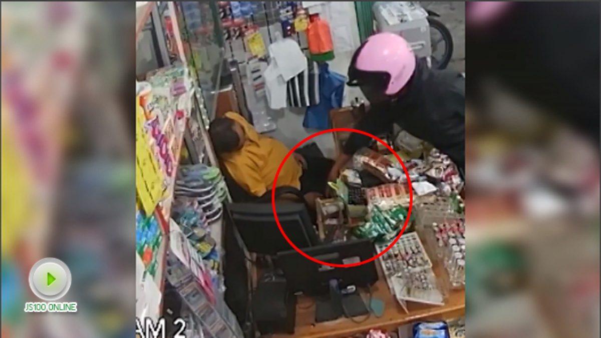 แอบหลับตอนเฝ้าร้าน ระวังเจอแบบนี้ (12-11-60)