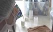 ตรวจหาสารปนเปื้อนในนมโรงเรียน