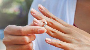 4 เกร็ดความเชื่อ !! การสวมแหวน ที่คุณอาจยังไม่เคยรู้