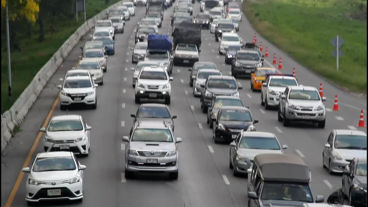 สภาพการจราจร บนถนนสายเอเชีย รถแน่น! ติดยาวกว่า 5 กิโลเมตร